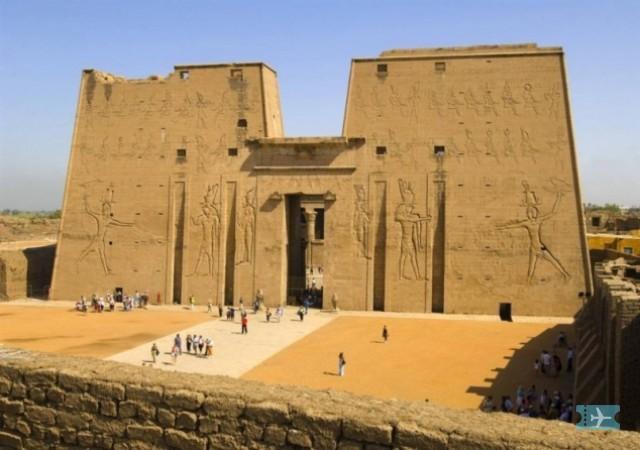 Изображение к статье «Отдых в Египте: Каир, Хургада, Дахаб»